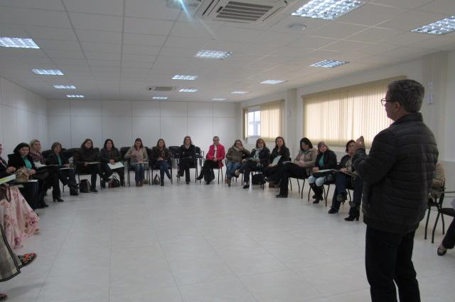 Nair Onofre ministra capacitação para núcleo de mulheres da Cersul e convidadas