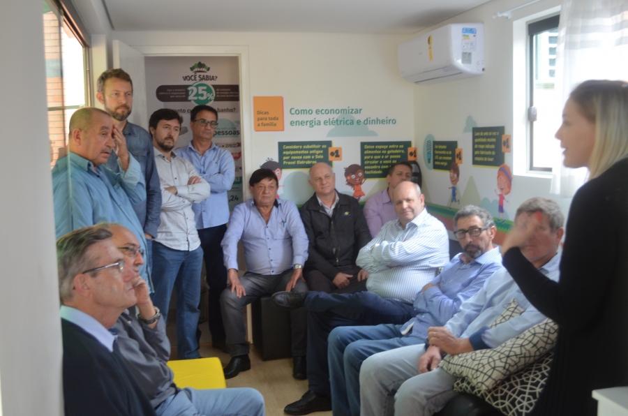 Presidentes de cooperativas de energia do Estado conhecem Projeto de Eficiência Energética Cersul