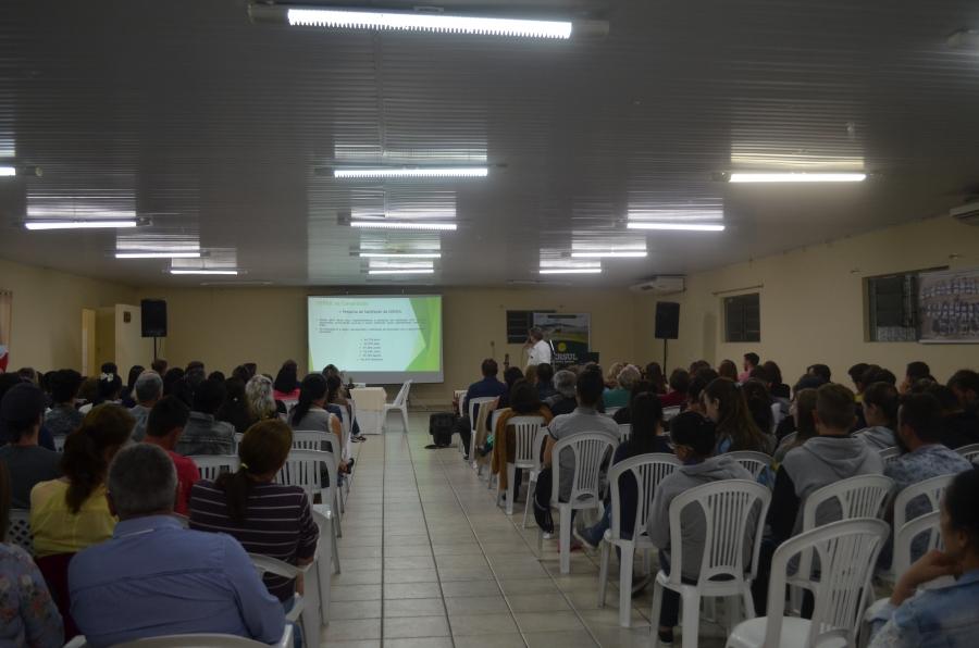 """Ermenses recebem projeto social """"Cersul na Comunidade"""""""